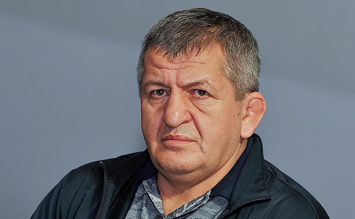 Отец Нурмагомедова