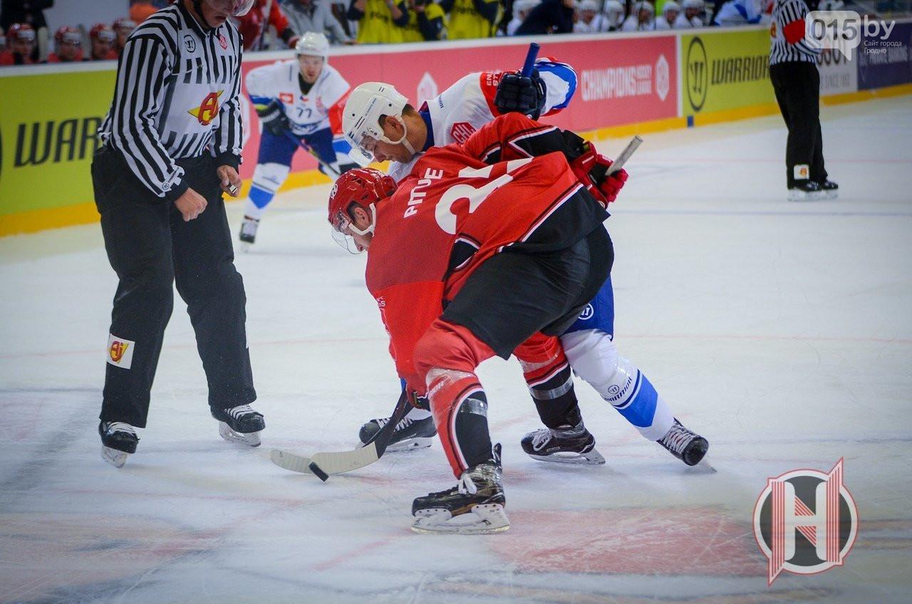 Неман Гродно на своем льду в серии буллитов обыграл Гомель