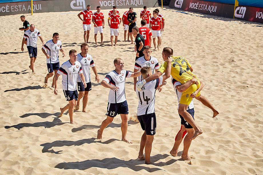Сборная Беларуси проиграла сборной Швейцарии на чемпионате мира по пляжному футболу